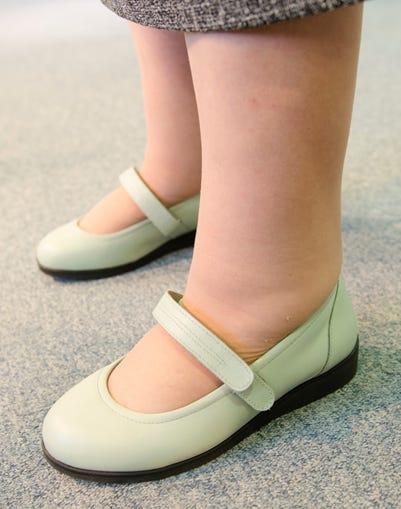 Daisy-Mae on foot angled