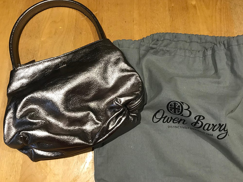 Claire has been in touch with a photo of the bag