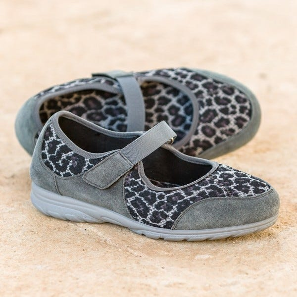 Bounce in grey leopard