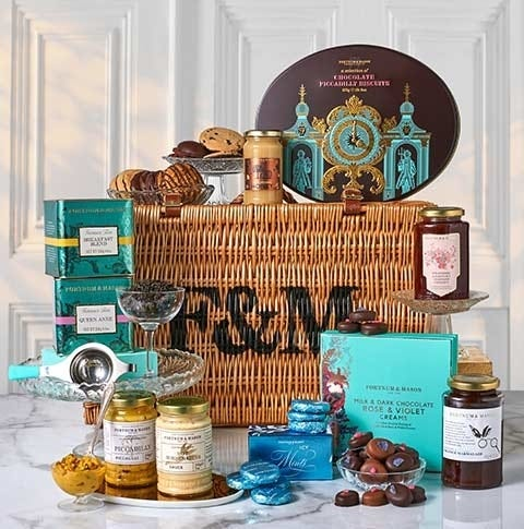 English Essentials Hamper