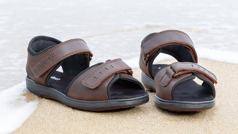 Extra roomy Bruno sandal