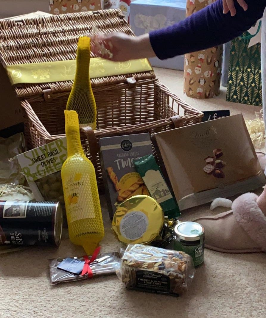 Regency Hampers festive surprise hamper with alcohol-free presses