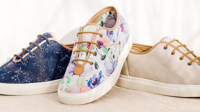 Kama floral extra roomy shoe