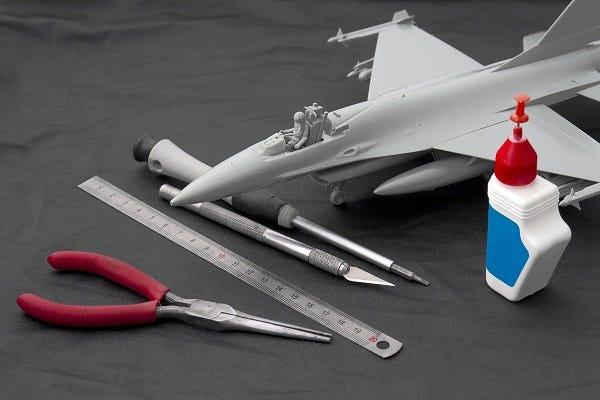 Airplane model making