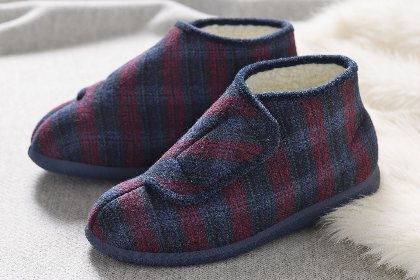 Robbie Warm-Lined slippers